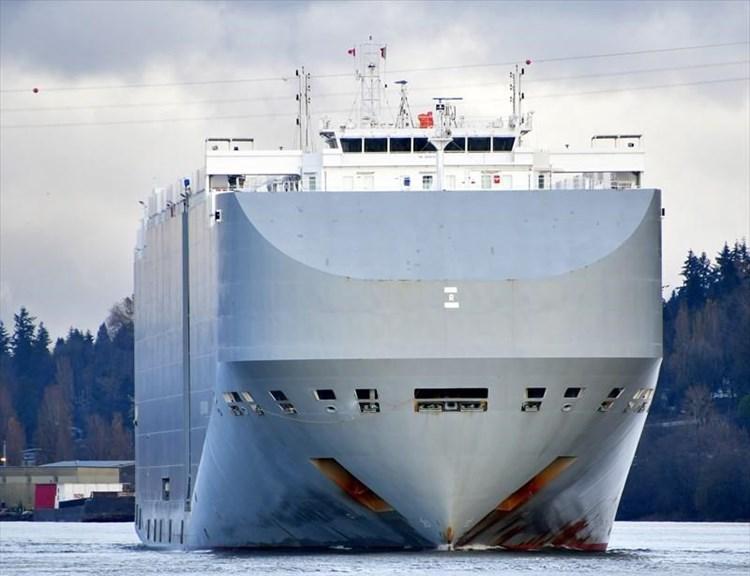سفينة إسرائيلية تتعرض لهجوم قرب سواحل الإمارات وتقارير تتهم إيران