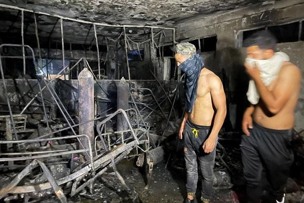 وفاة 82  شخصاَ في حريق في مستشفى في العراق