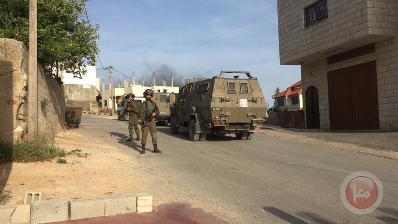 حملة عسكرية واسعة في عقربا وترمسعيا للقبض على منفذ العملية