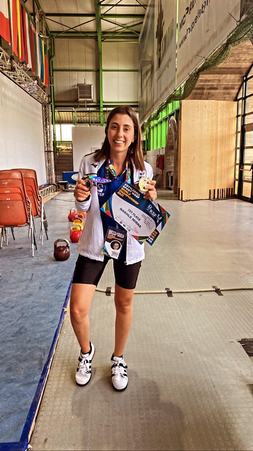ميرنا نخلة من حيفا تحصد المرتبة الاولى في رفع الاثقال في مسابقة عالمية
